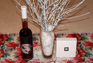 Malino – vino buteljka z GOX pralinami lux